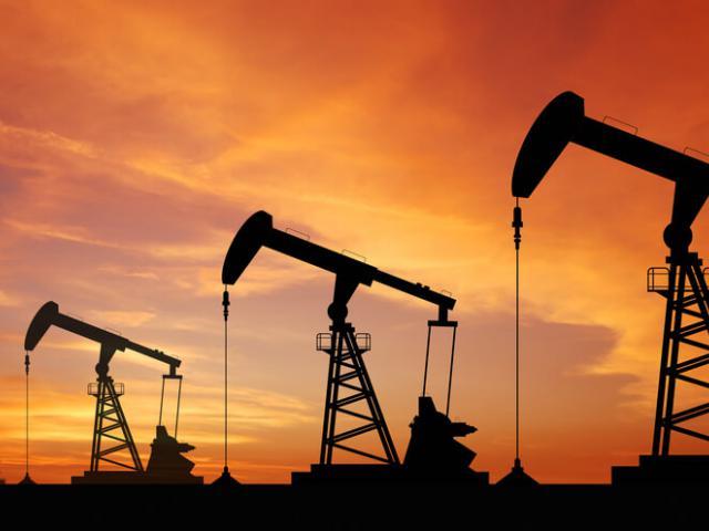 Oil drops on renewed global glutfears
